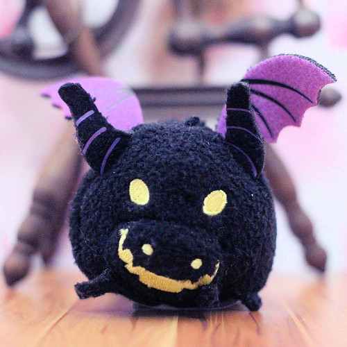 Sleeping Beauty Tsum Tsum - Maleficent Dragon