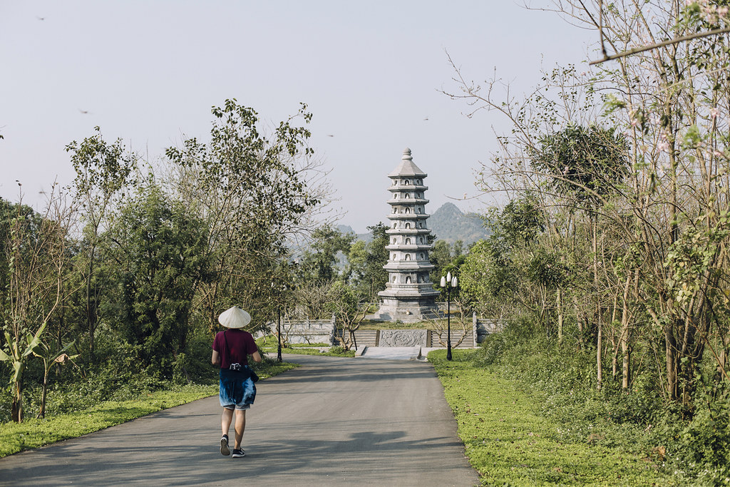 Tam_Coc_17, Ninh Binh and Tam Coc National Park, a Photo and Travel Diary by the Blog The Curly Head, Photography by Amelie Niederbuchner,