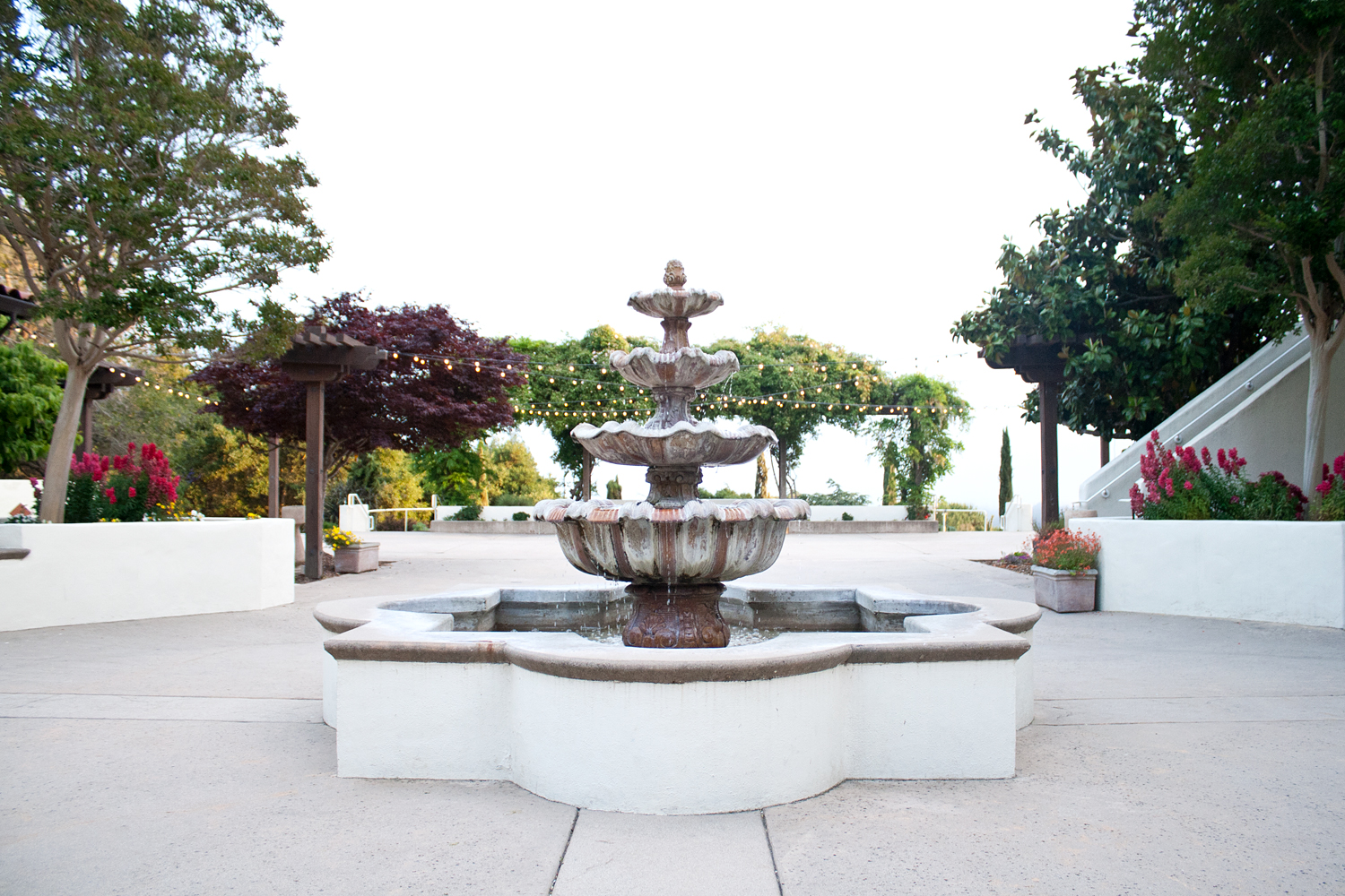 02chaminade-santacruz-travel-style-fountain
