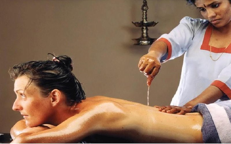 Pizhichil Ayurveda Massage Treatment