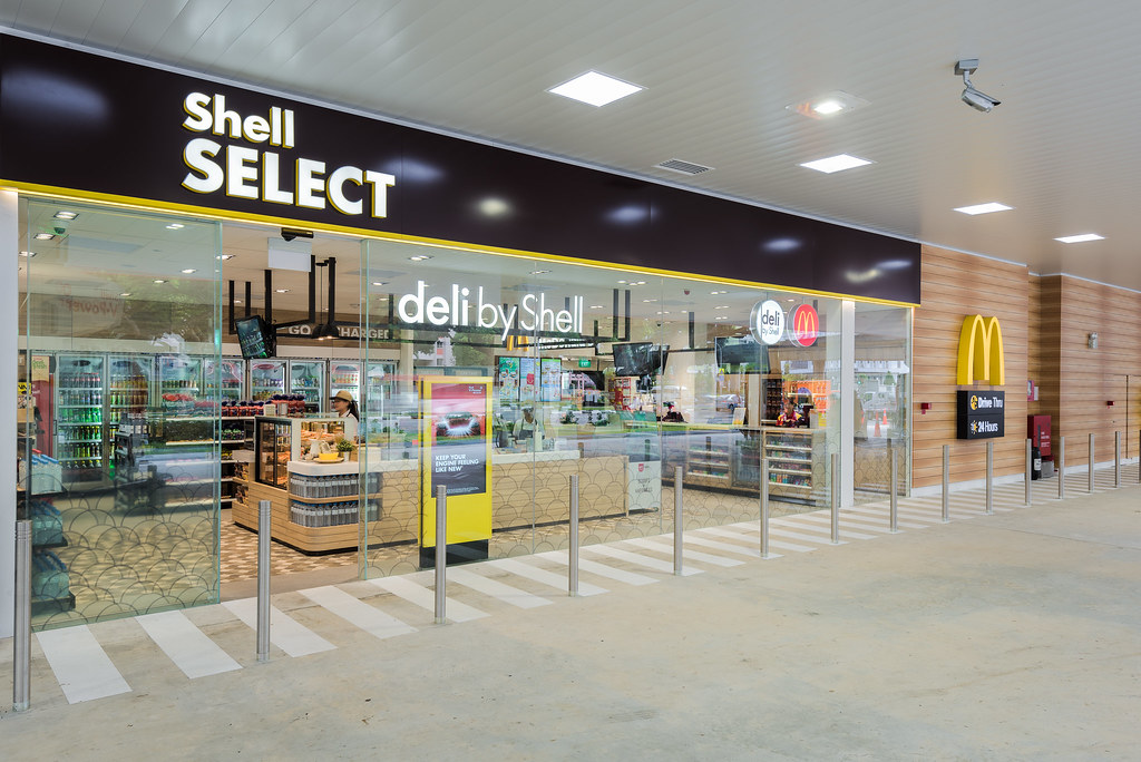 The retail space is now operated by Shell Select, a convenience store with a deli. (Credit: Edelman)