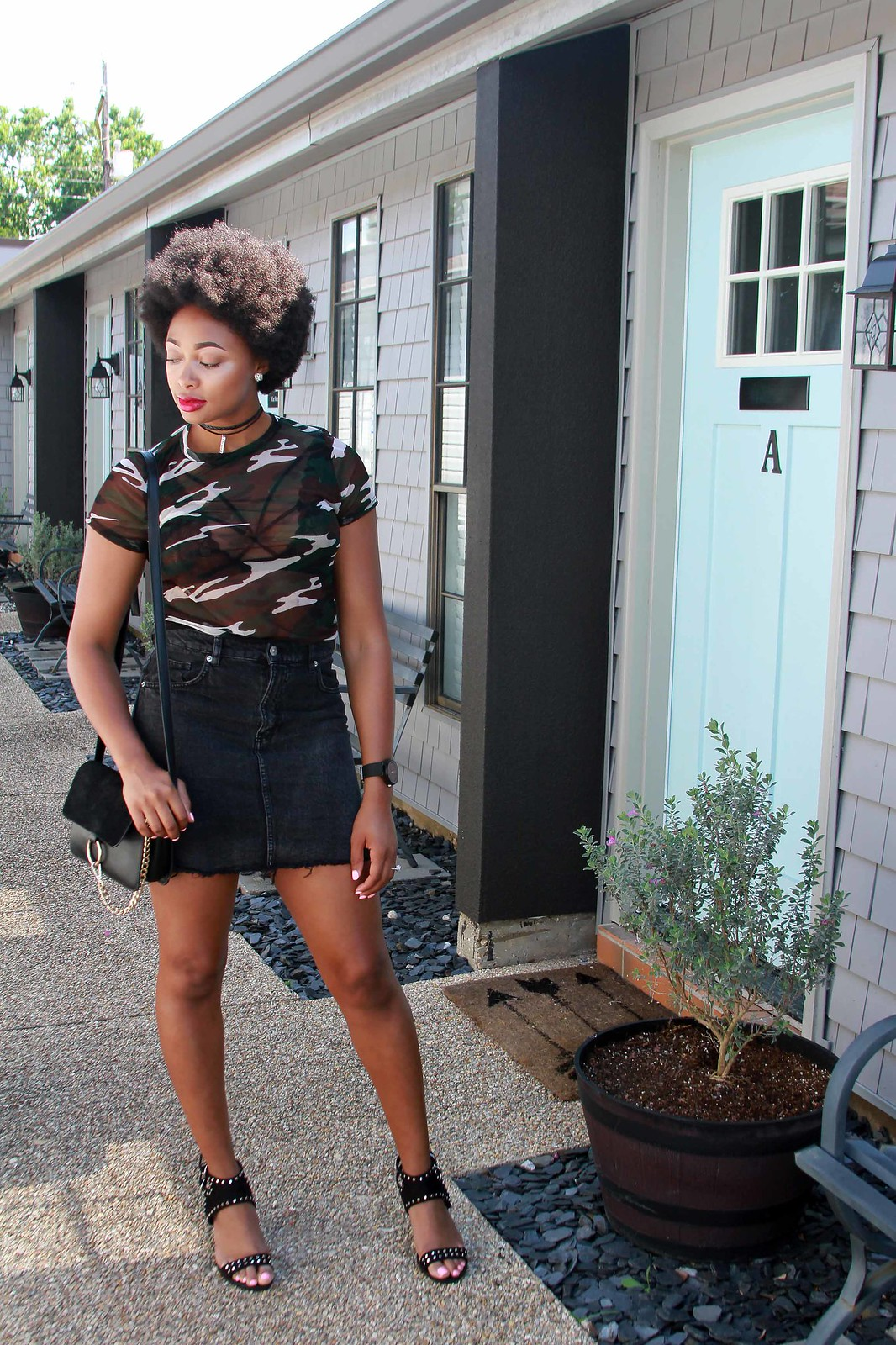 how to wear a camouflage mesh tee