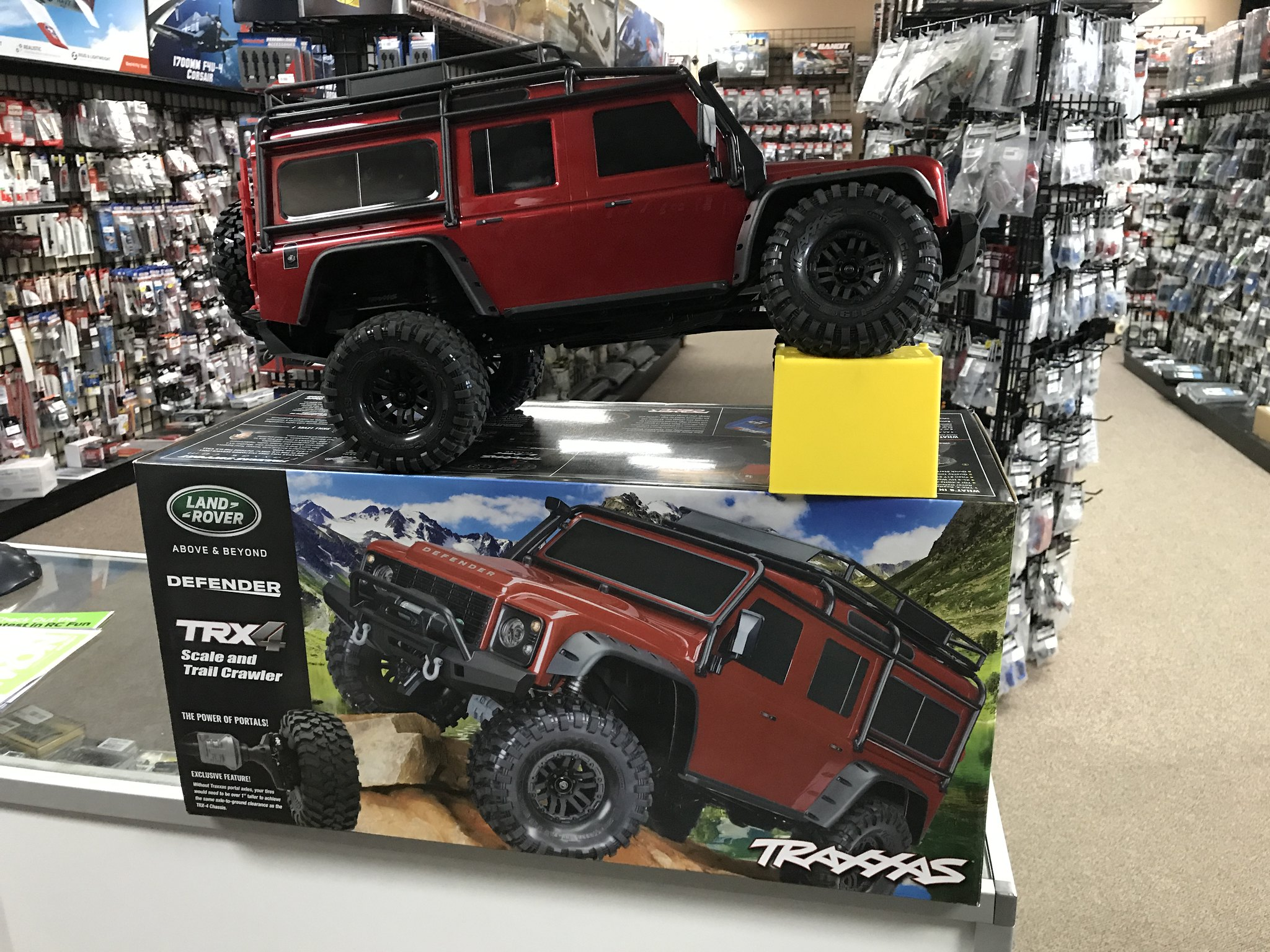 Here s some pictures of the new demo TRX 4 that my LHS just in today