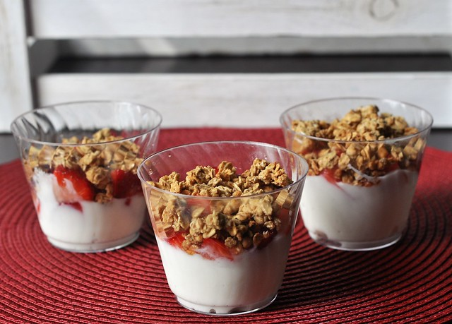 Fruit and Yogurt Breakfast Parfaits
