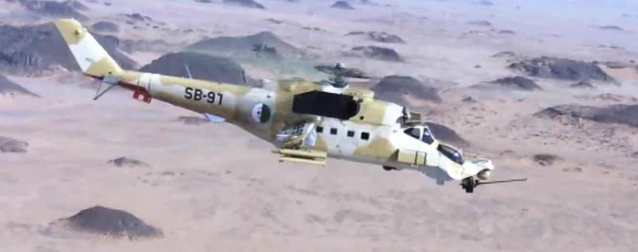 صور مروحيات Mi-24MKIII SuperHind الجزائرية - صفحة 8 34044103584_ed31bdc331_o