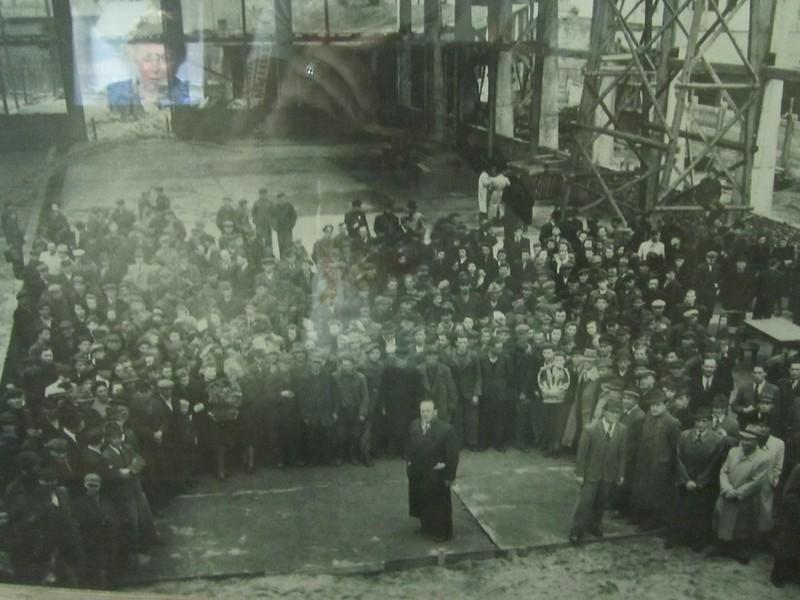 Schindler con los trabajadores