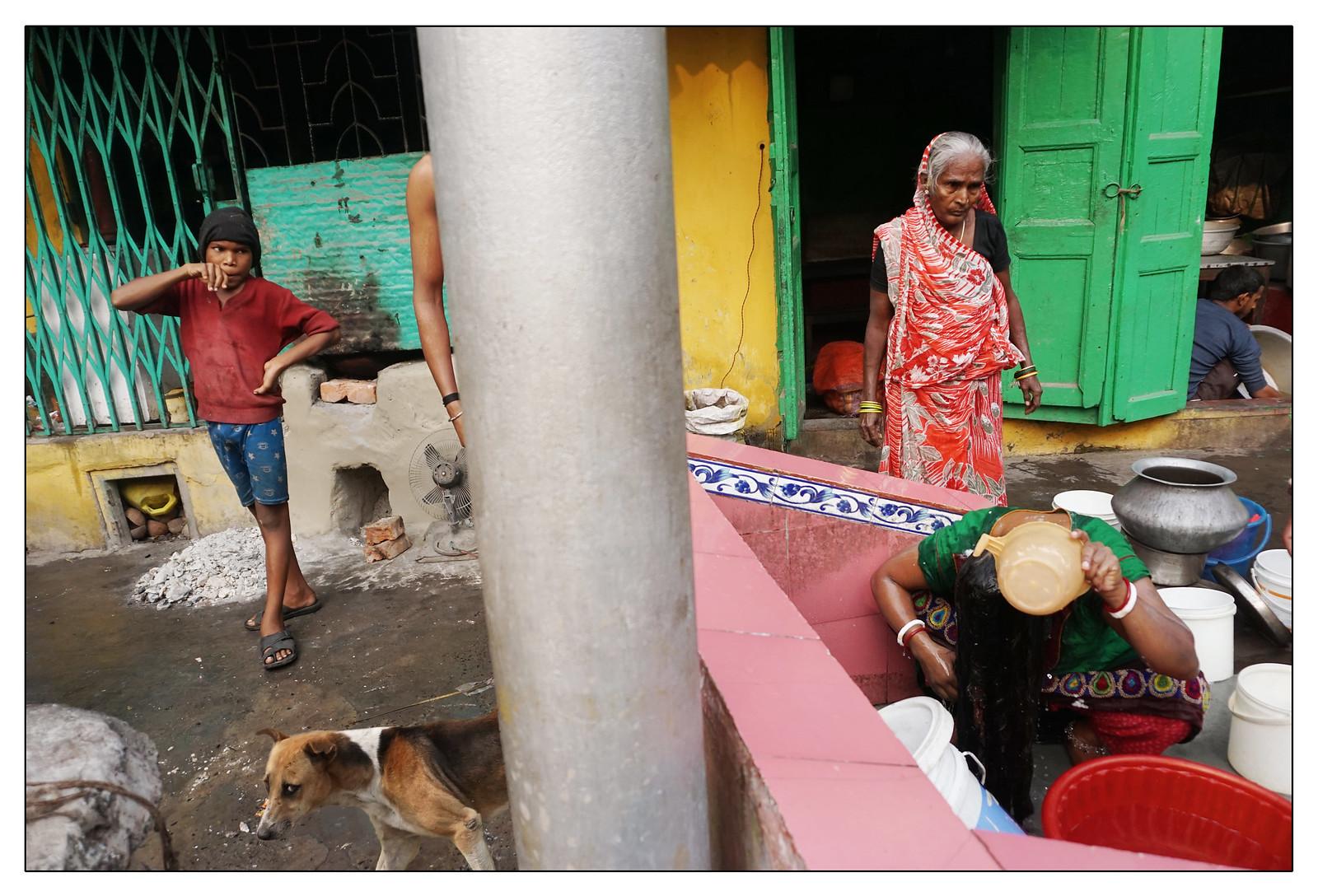 Benaras street, Kolkata | 2017 | by b i s w a j i t