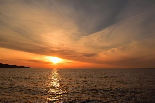 橘丸 船の上から迎える朝日