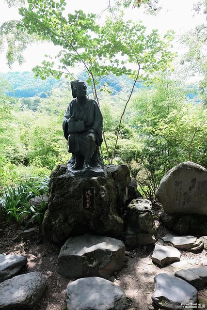 山寺 松尾芭蕉像