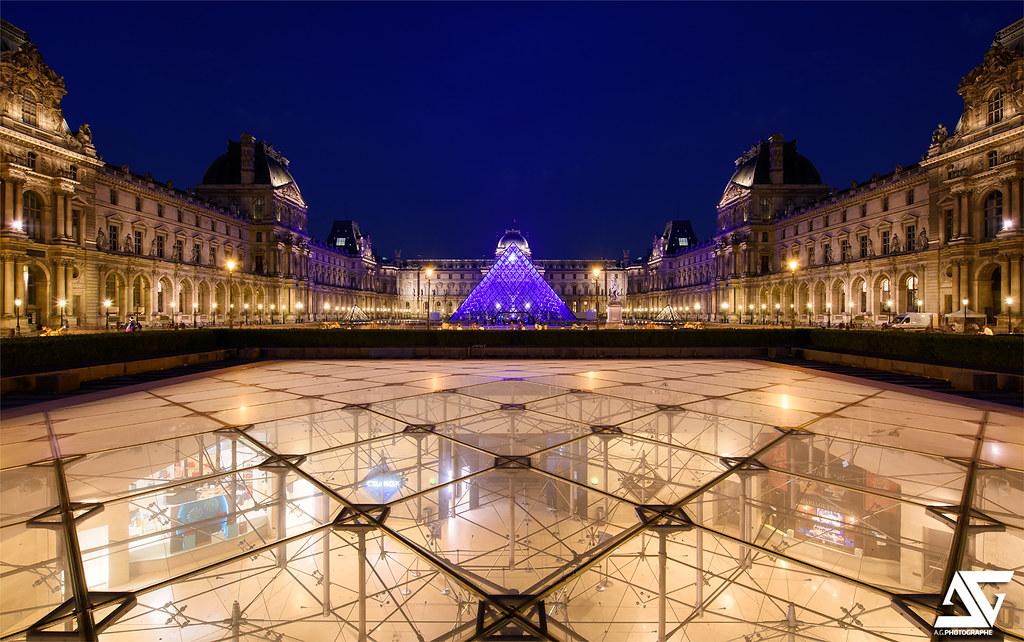 Pyramide inversée   Louvre & Pyramide inversée, Paris ...