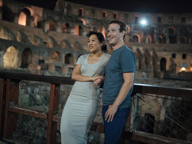 Mark Zuckerberg và vợ, Priscilla Chan.