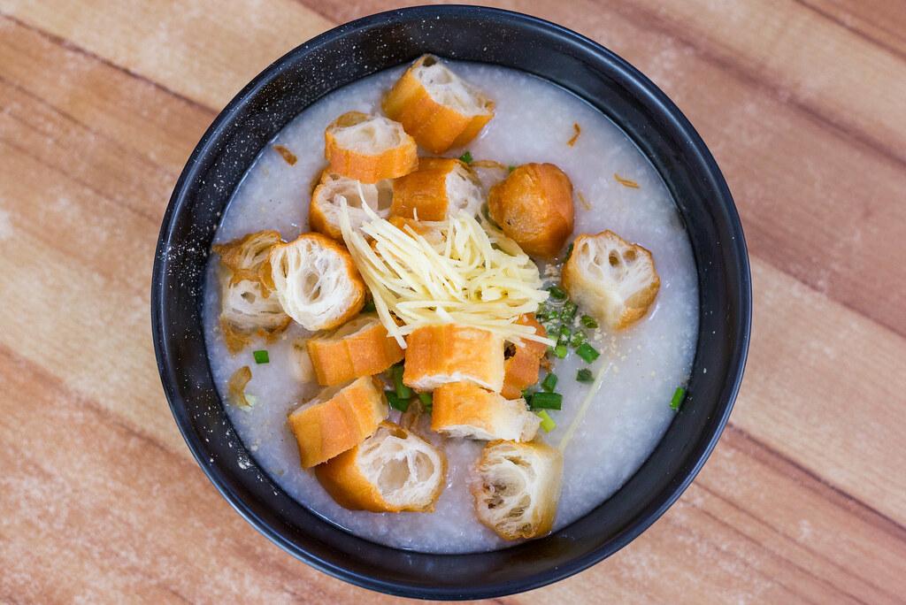 四美食品:荷拉自助餐厅
