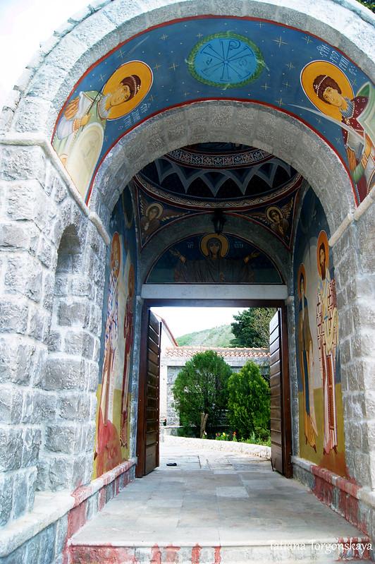 Вход в монастырь Режевичи