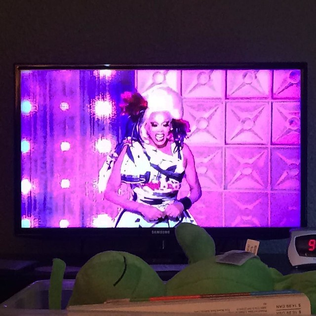 Some kind soul uploaded episode 10 of #rpdr9 to the YouTubes so I finally got to watch a FULL episode this morning! 🙌