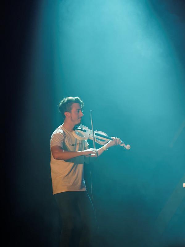 Concert Rock avec violon, violoncelle et batterie 34620077813_8f3f6ca44a_c