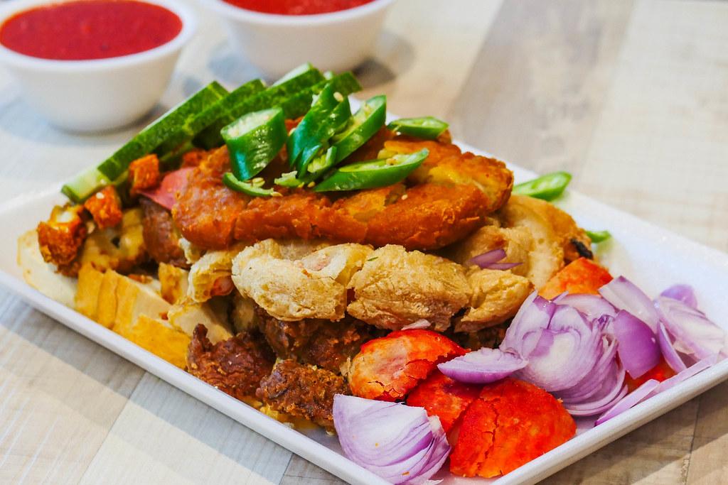 Tampines餐vwin备用厅:Al Mahboob Rojak Restaurant Pte Ltd