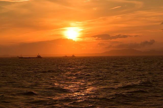 橘丸から眺める夕日