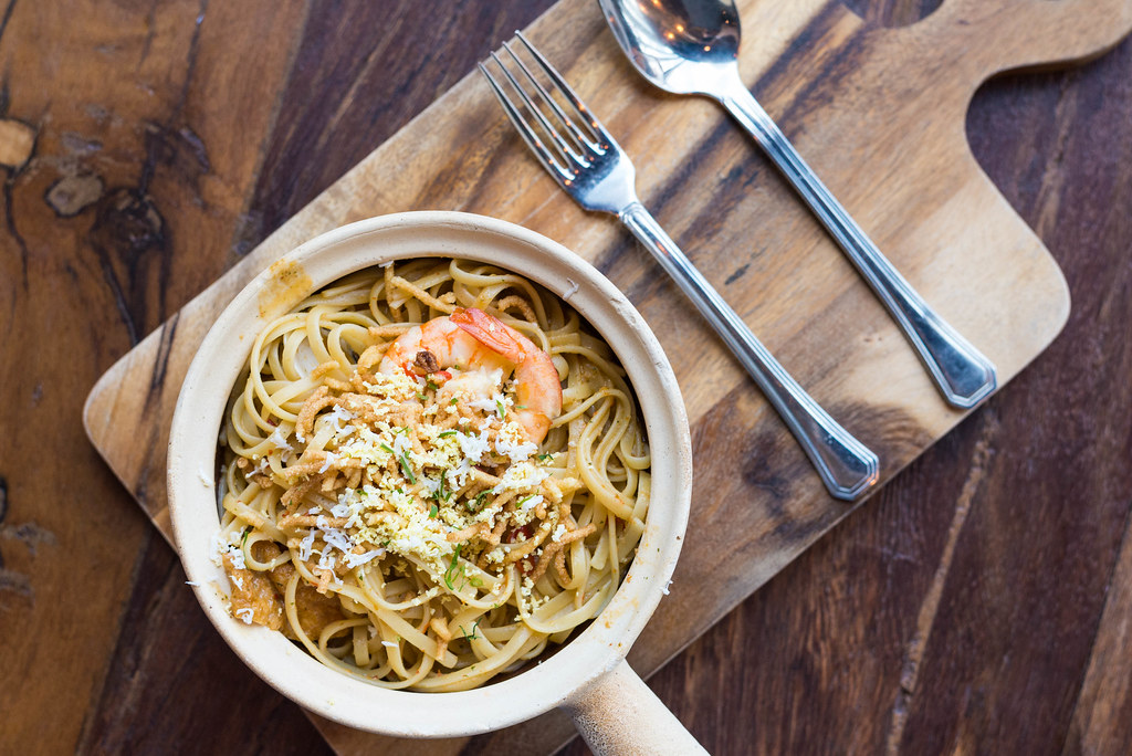 Makan in Pasir Ris: Herb Bistro Laksa Claypot Pasta Styled Shot