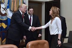 Presidente Trump respalda ingreso de aguacate HASS colombiano