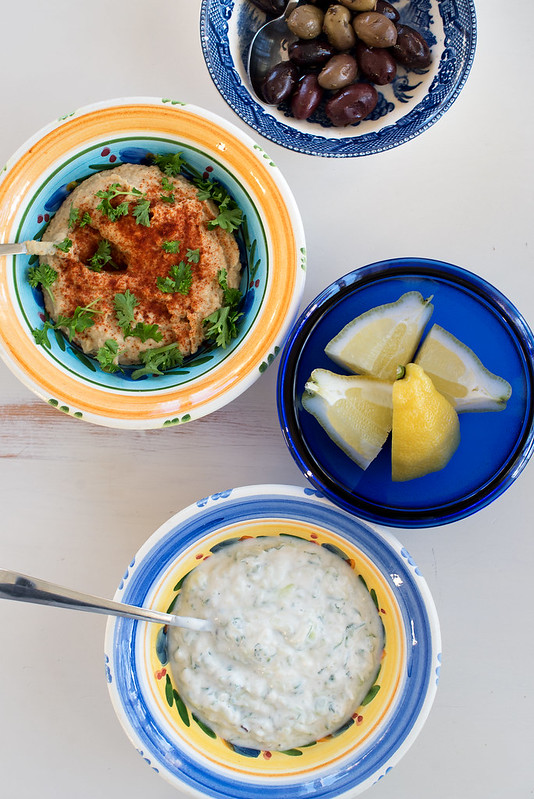 oliven hummus sitron og tzatziki