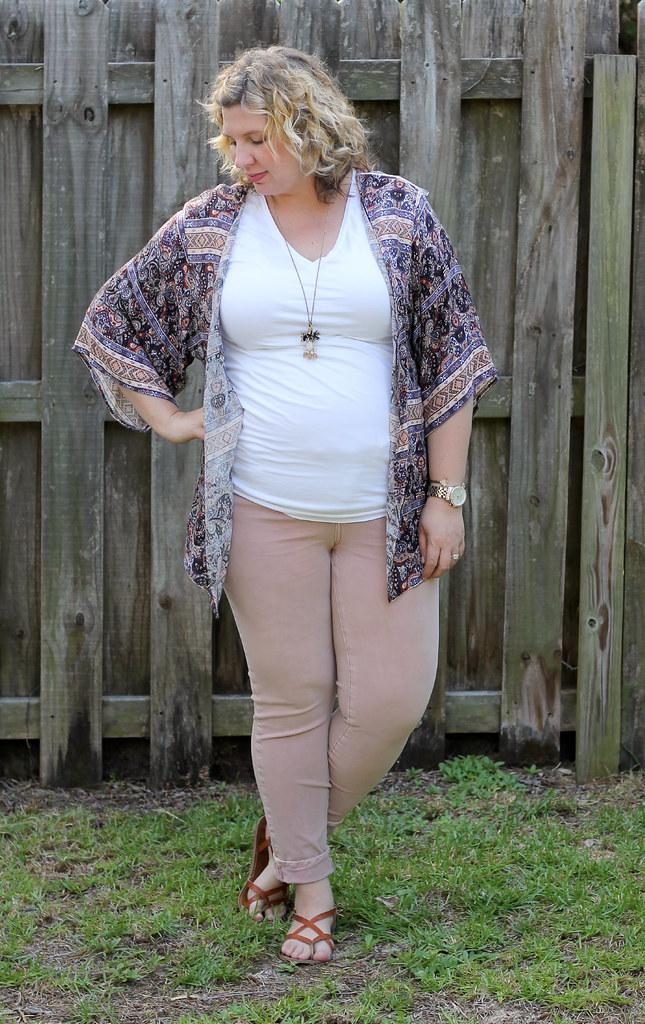 pink jeans, blue pattern kimono, white tee 6