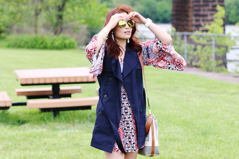sleeveless-trench-coat-quay-sunglasses-mink-pink-dress-3