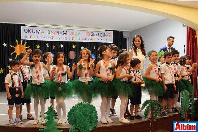 ehit Coşkun Nazilli İlköğretim Okulu'ndan mehterli okuma bayramı