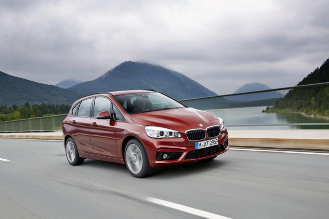 [新聞照片二] BMW 2系列Active Tourer提供低頭款8萬元起或低月付1,900元起分期優購方案,特定車型本月交車再享1年乙式全險或4年5次基本保養套裝