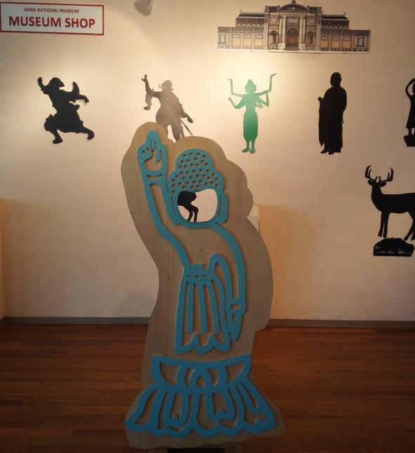 天上天下唯我独尊ポーズ顔出しパネル@奈良国立博物館地下1F