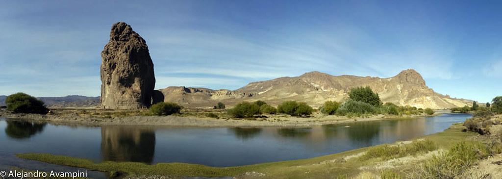 Panoramica De El Rio Chubut En Piedra Parada