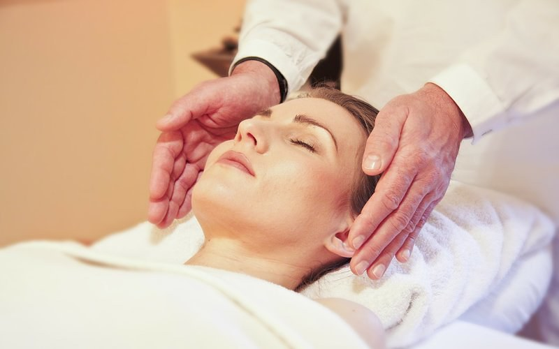 Indian Head Massage Benefits - Techniques and History