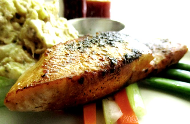 CafeCafe Giant grilled salmon with potato tuna salad