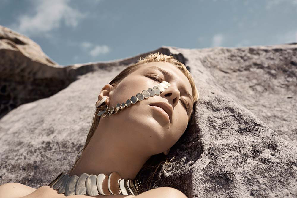 Natural jewellery collection Sand by Sydney based company Dinosaur Designs Sundeno_07