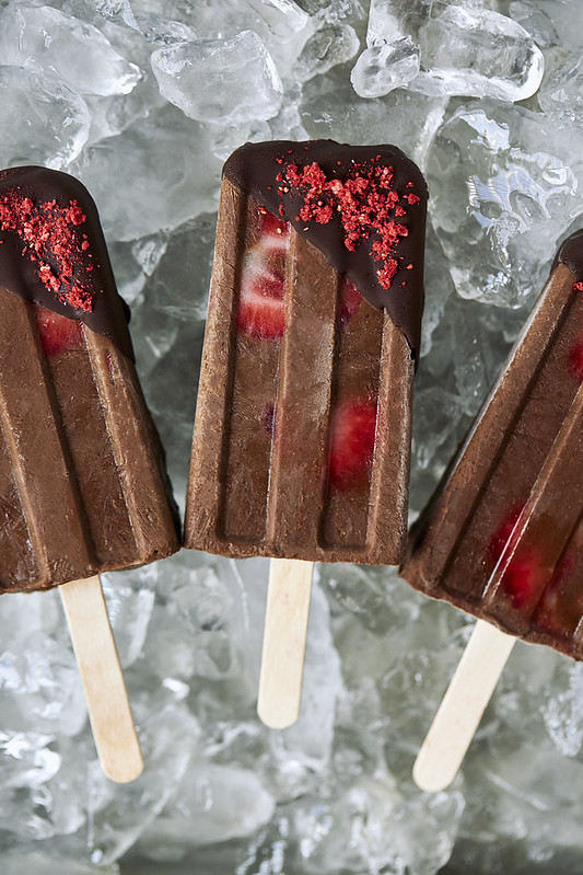 Chocolate Covered Strawberry Fudgesicles {dairy-free}