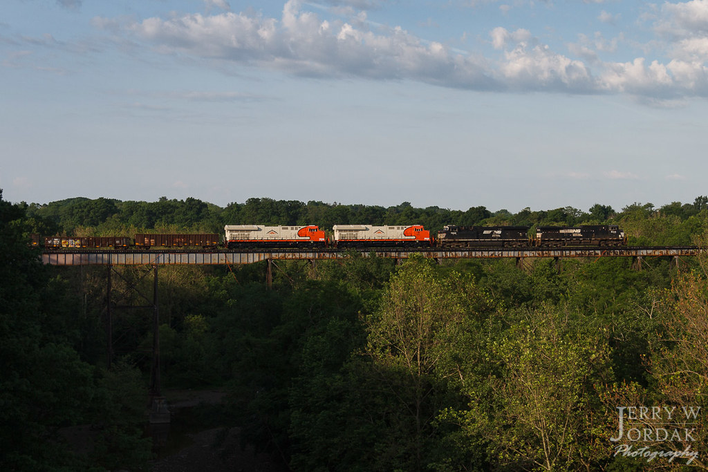 new power for navajo mine norfolk southern train 309 has i flickr