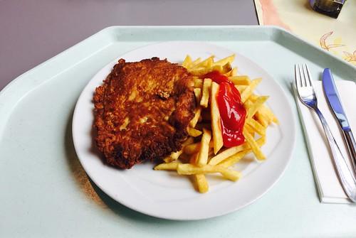 Pork Picatta with french fries / Picatta vom Schwein mit Pommes Frites