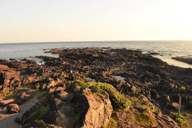 長崎鼻 火山岩の海岸