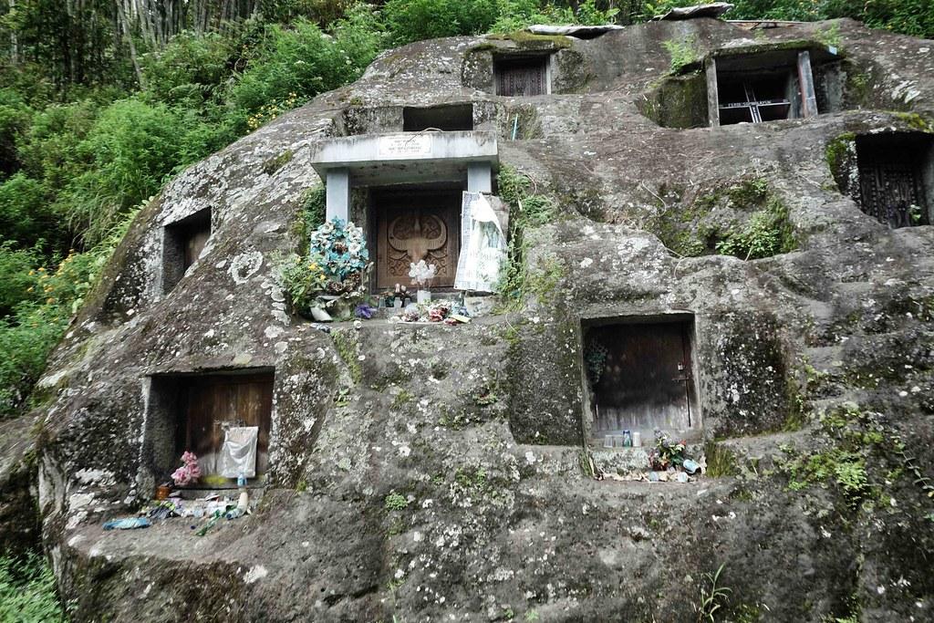 Rantepao - Vers Batutumonga - Tombes
