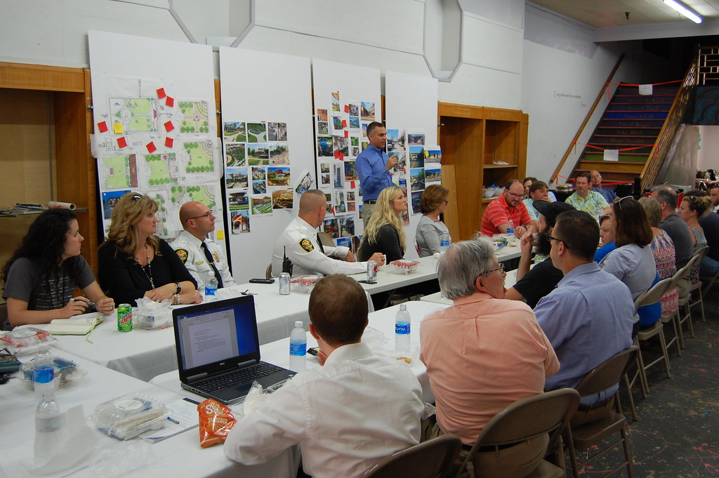 Craig Lewis, Stantec, reviews the weeks ideas with the Steering Committee
