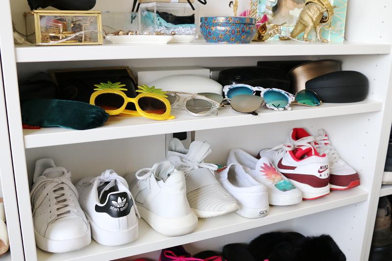accessories-sunglasses-shoe-sneakers-shelf-13