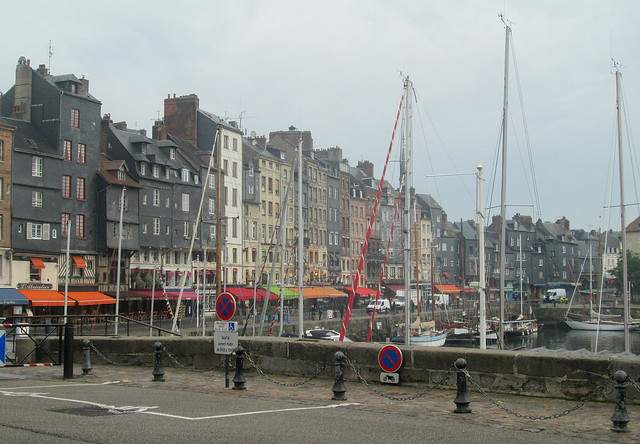 Honfleur Harbour, Buildings