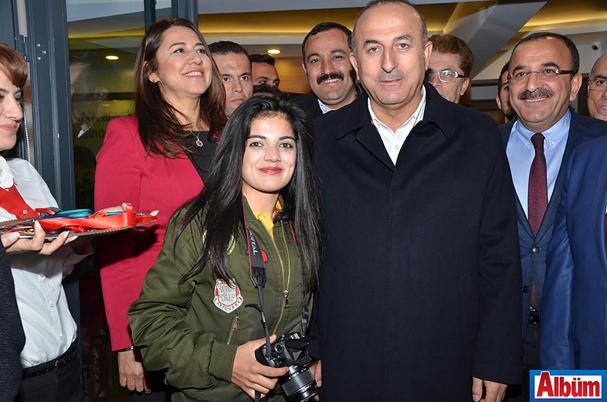 Hafize Beril, Dışişleri Bakanı Mevlüt Çavuşoğlu