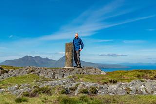 Gipfel An Sgùrr, Insel Eigg (Insel Rùm im Hintergrund)