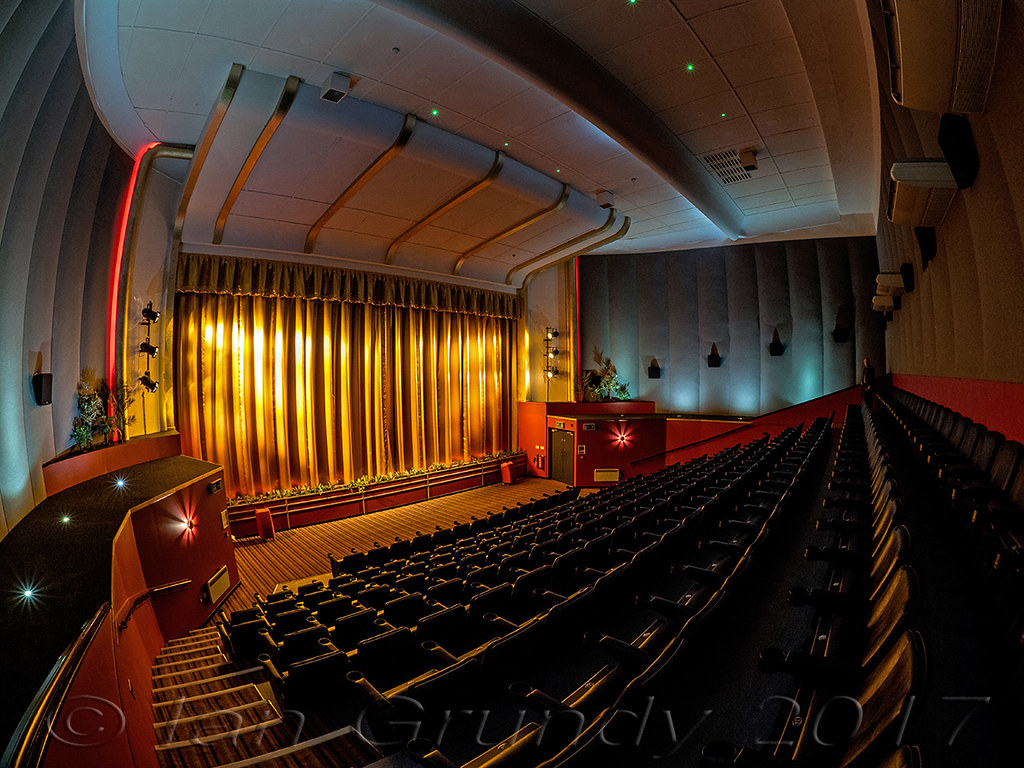Blackwood Maxime 2800 Maxime Cinema Blackwood Wales