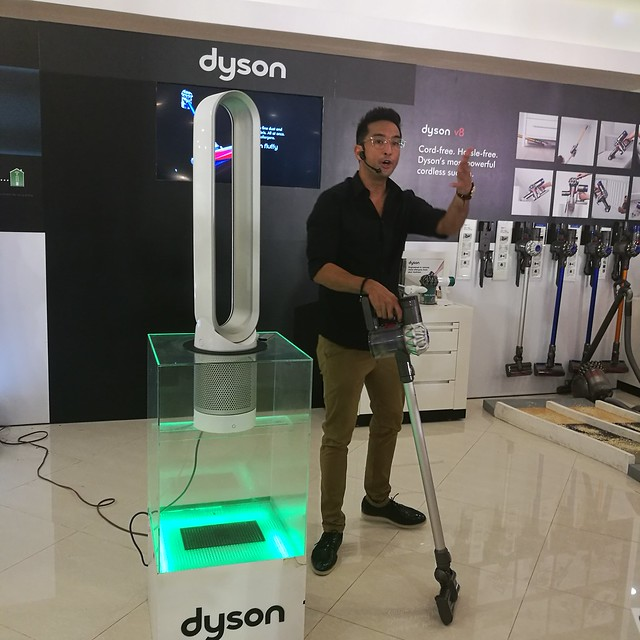 Bobby Yan VP for Communications of White Planet Inc at Dyson Philippines launch at Chimes Boutique Governor Sales Street Davao City IMG_20170526_174222
