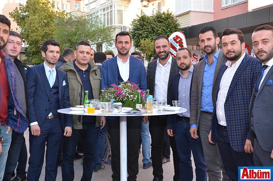 Ak Parti Gençlik Kolları Başkanı Alaattin Işık ve ekibi