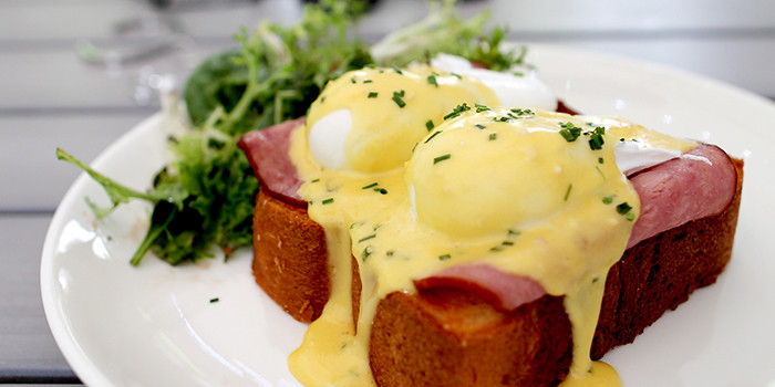 Boufe-Boutique-Cafe-Eggs-Benedict