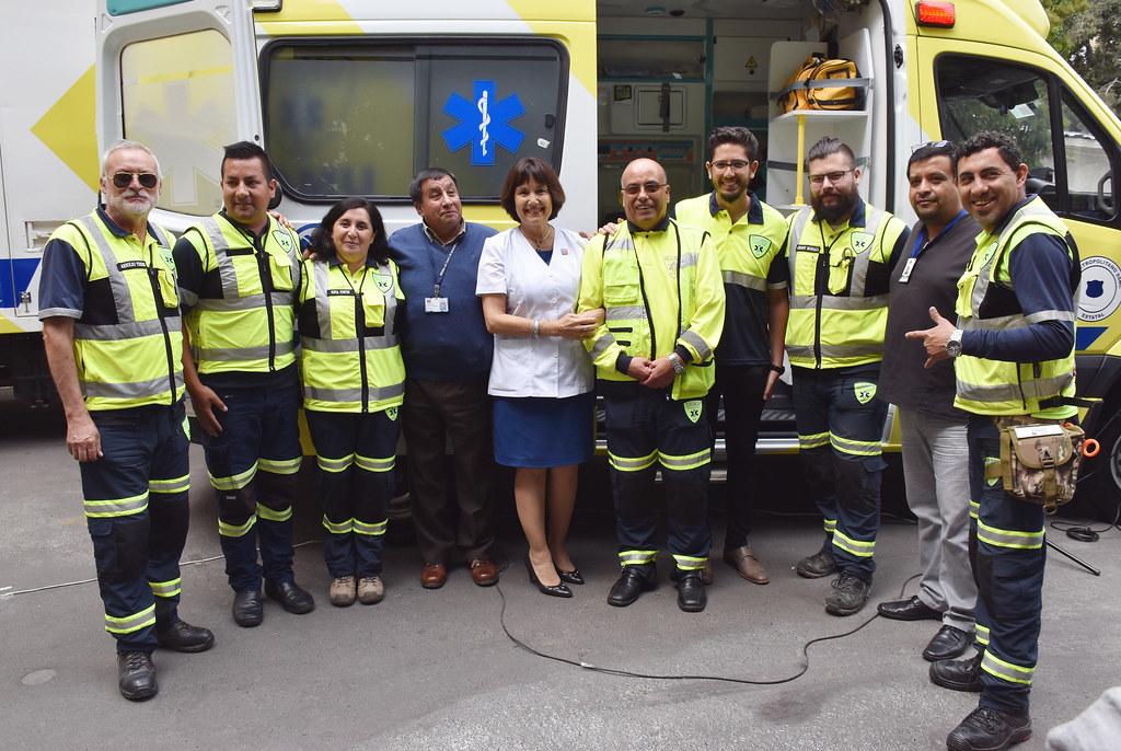Equipo del SAMU Metropolitano acude a llamado de ayuda tras incendios forestales en el sur de Chile