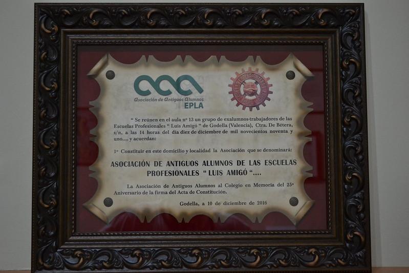 Entrega de placa conmemorativa 25º Aniversario