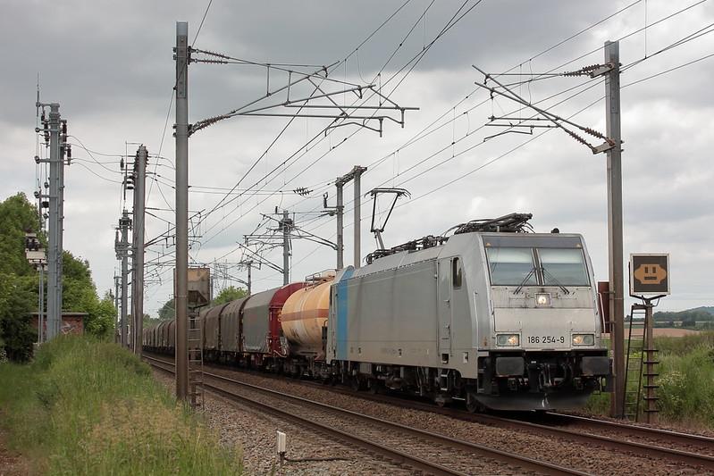 Bombardier 35302 - TRAXX F140 MS - Railpool Gmbh 'E 186 254' / Hazebrouck